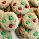 Simple M&M Cookies delicious and soft these cookies are perfect to dunk in milk