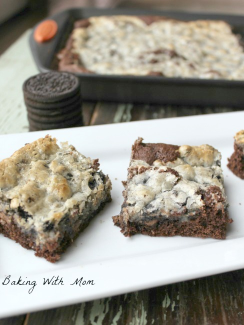 Cookies And Cream Gooey Butter Cake with cream cheese, OREO cookies, and Chocolate Cake. These chocolate cake dessert will disappear from your household quickly