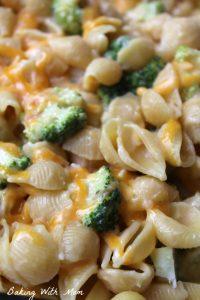 Easy Cheesy Broccoli Chicken Casserole
