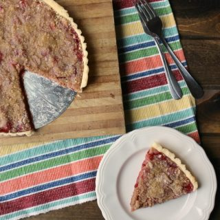 Cherry Tart With Streusel Topping