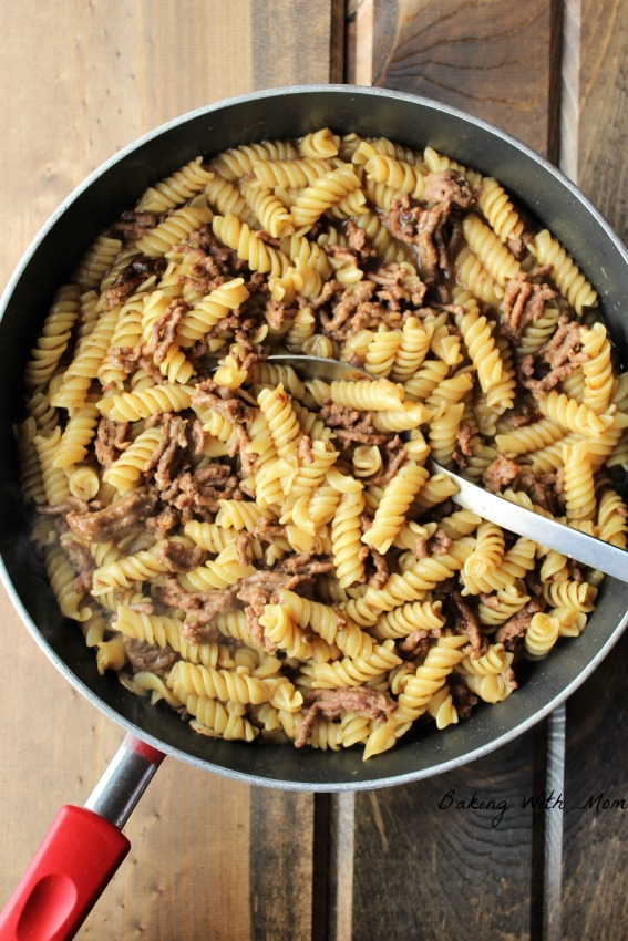 Homemade Hamburger Helper Beef Pasta 4 ingredients and made in one pot. #easymeal #supper #homemade #hamburger