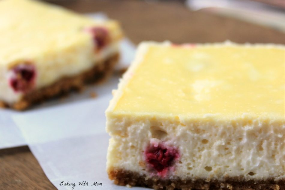 Easy Raspberry Cheesecake Squares