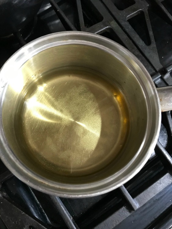 Apple juice in a pan