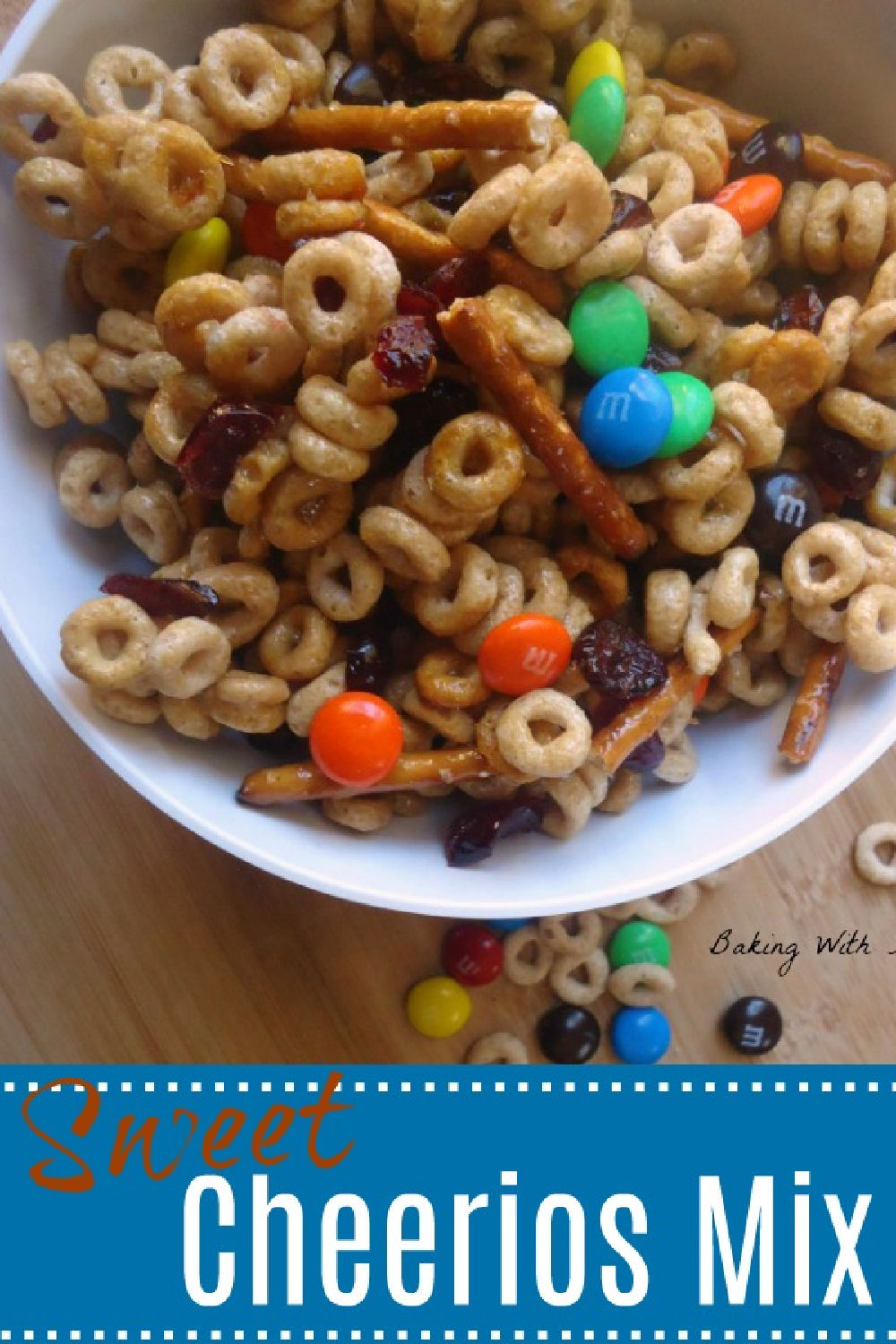 Pretzels, dried fruit and chocolate mix